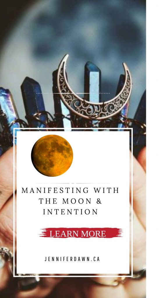 Manifesting with the Moon & Intention. Use the energy of the full moon with candle Magick to manifest. Moon Money Magick // Manifesting Abundance //