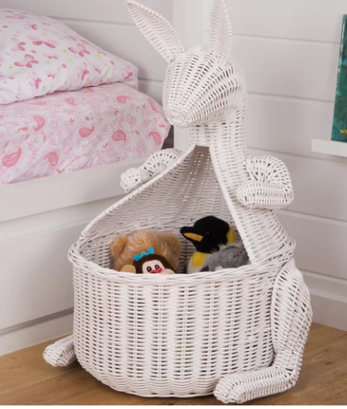 Storage ideas for a little girls room / Storage ideas for a baby nursery