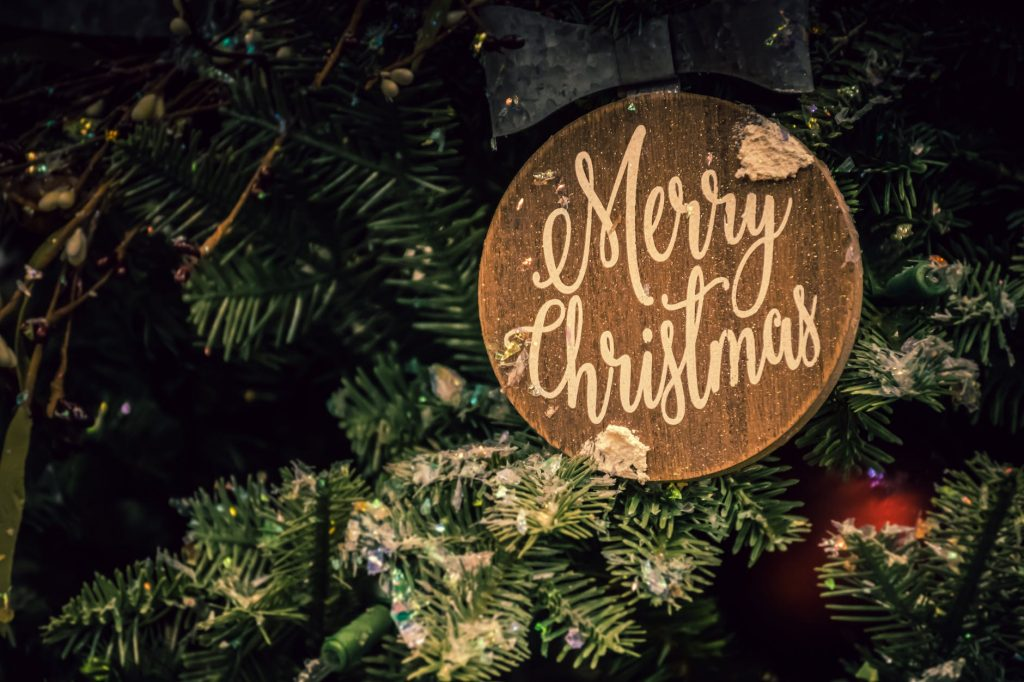 100 Plus Farmhouse Christmas Decor Ideas